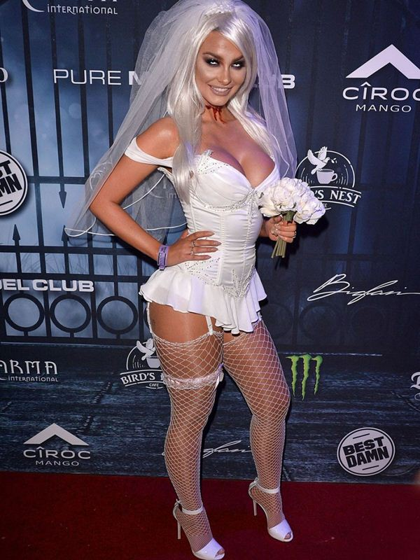 emily-sears-at-maxim-halloween-party-in-los-angeles-kanoni-5