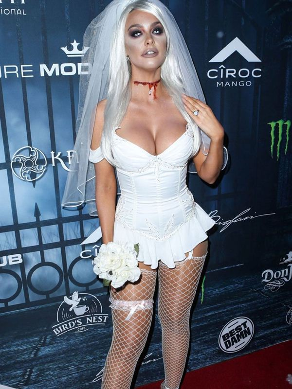 emily-sears-at-maxim-halloween-party-in-los-angeles-kanoni-6