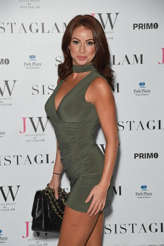 laura-carter-sexy-green-dress-at-sistaglam-launch-party-in-london-kanoni-2