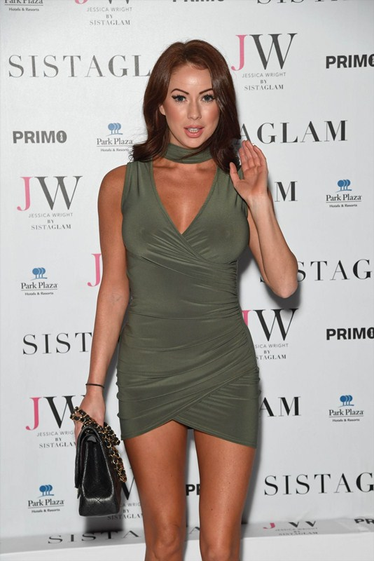 laura-carter-sexy-green-dress-at-sistaglam-launch-party-in-london-kanoni-3