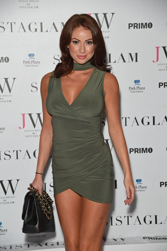 laura-carter-sexy-green-dress-at-sistaglam-launch-party-in-london-kanoni-6