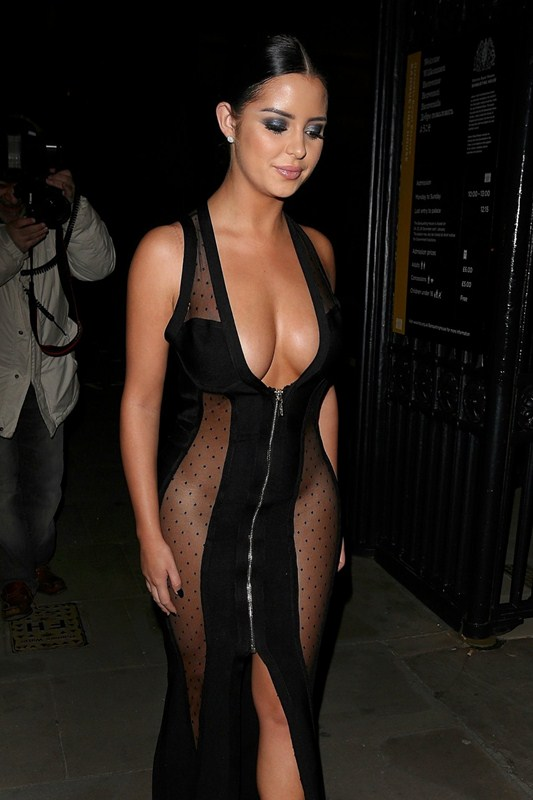 demi-rose-no-underwears-black-see-through-dress-night-out-london-kanoni-1