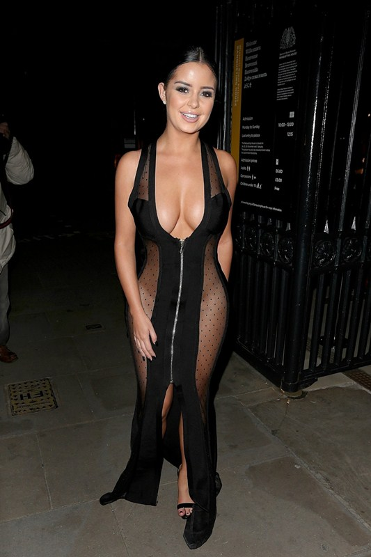 demi-rose-no-underwears-black-see-through-dress-night-out-london-kanoni-3
