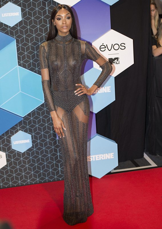 jourdan-dunn-see-through-sideboob-mtv-ema-2016-kanoni-3