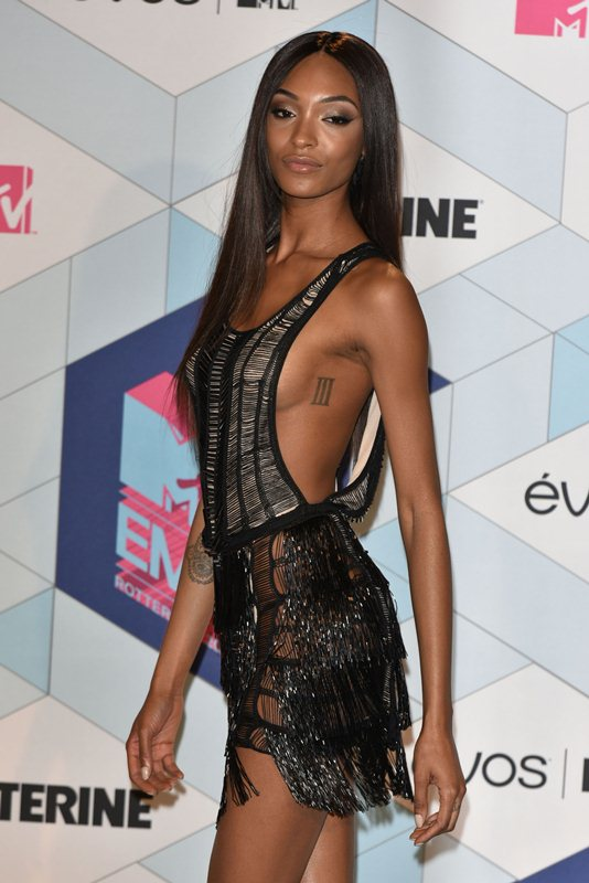 jourdan-dunn-see-through-sideboob-mtv-ema-2016-kanoni-6