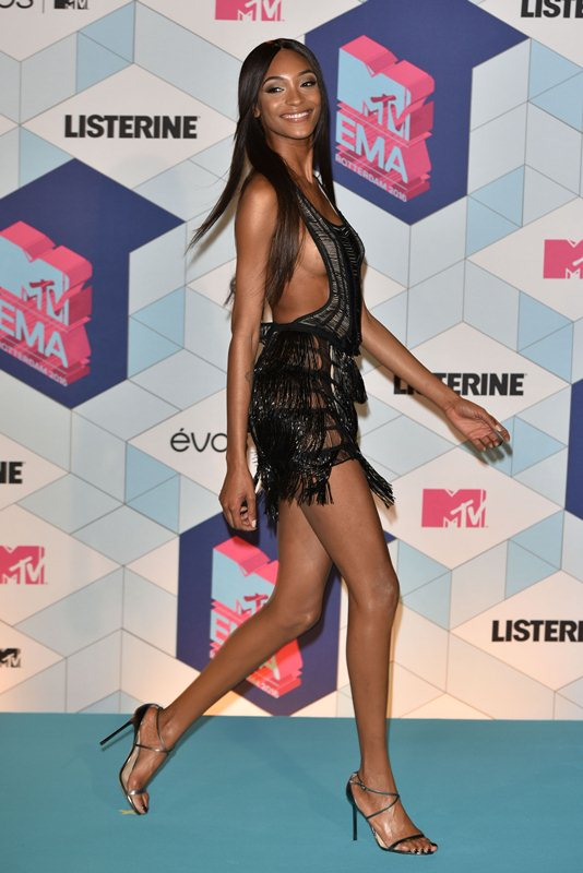 jourdan-dunn-see-through-sideboob-mtv-ema-2016-kanoni-8