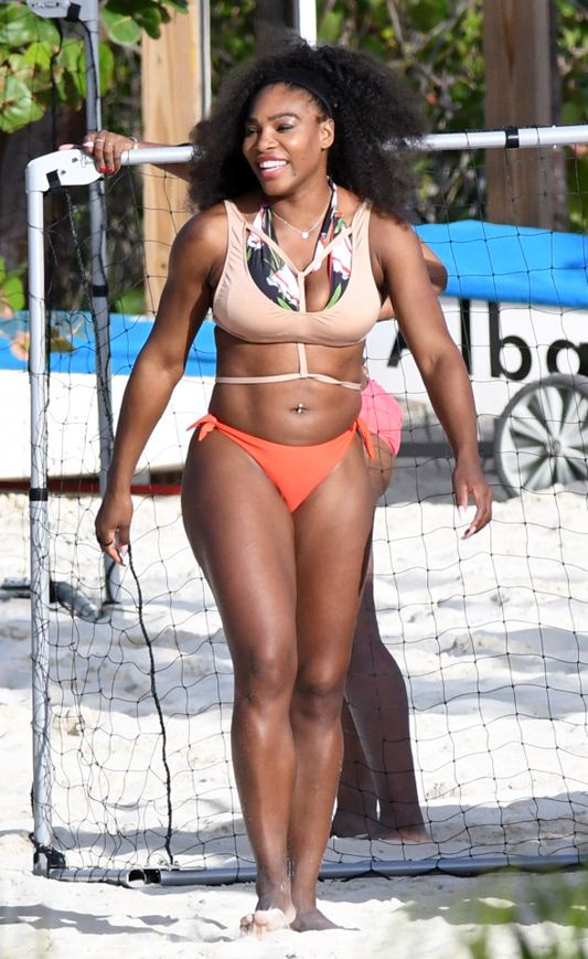 serena-williams-bikini-vacations-bahamas-kanoni-7