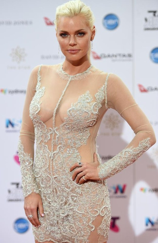 sophie-monk-see-through-braless-dress-aria-awards-sydney-kanoni-1
