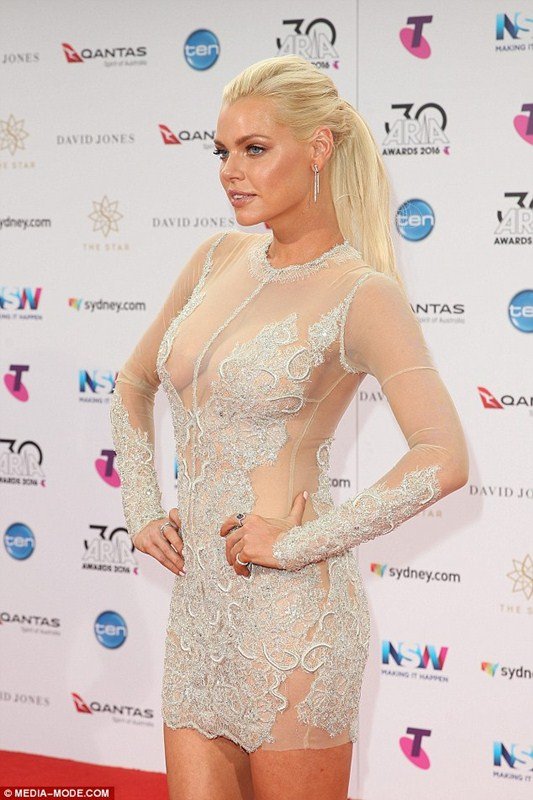 sophie-monk-see-through-braless-dress-aria-awards-sydney-kanoni-2