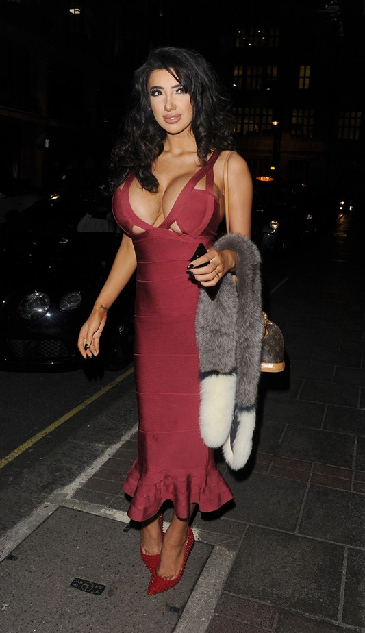 chloe-khan-red-dress-big-boobs-out-for-dinner-in-mayfair-kanoni-3