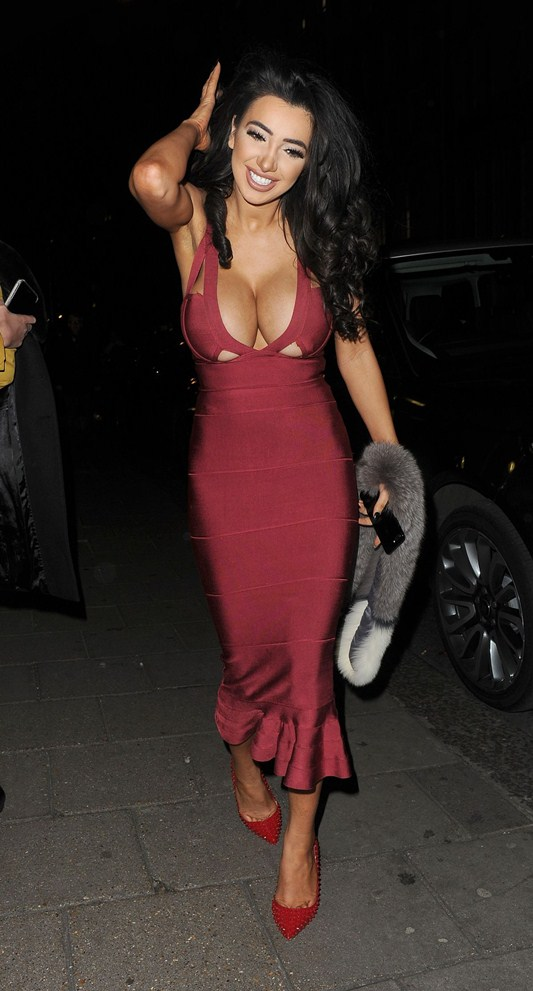 chloe-khan-red-dress-big-boobs-out-for-dinner-in-mayfair-kanoni-8