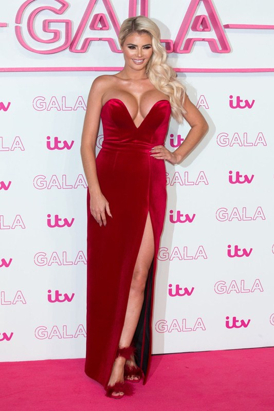 chloe-sims-red-dress-at-itv-gala-in-london-kanoni-4