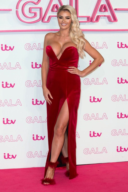 chloe-sims-red-dress-at-itv-gala-in-london-kanoni-5