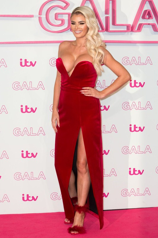 chloe-sims-red-dress-at-itv-gala-in-london-kanoni-6