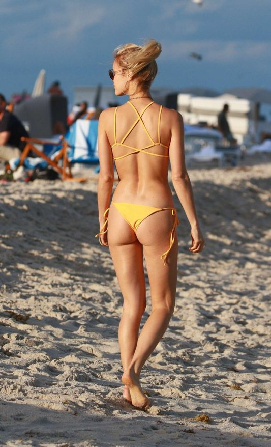 joy-corrigan-in-yellow-bikini-miami-beach-kanoni-1