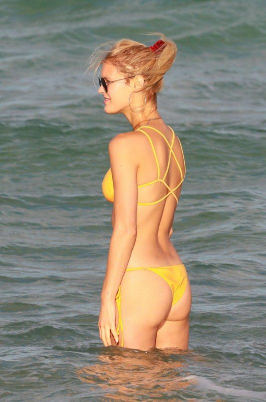 joy-corrigan-in-yellow-bikini-miami-beach-kanoni-6