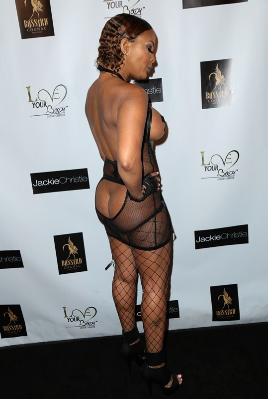 Sundy-Carter-Topless-Amazing-Hot-Outfit-Basketball-Wives ...