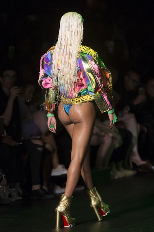 Teyana Taylor Walks Runway Blonds Spring Summer Show New