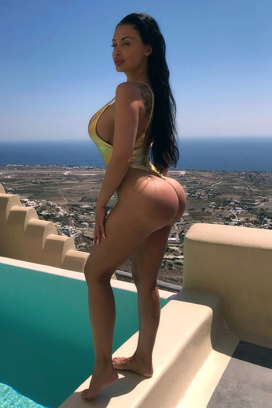 https://www.kanonitv.net/wp-content/uploads/2018/07/Aletta-Ocean-Hot-Gold-Swimsuit-Vacation-Pool-Santorini-Kanoni-3.jpg