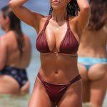 Η Devin Brugman μας δείχνει το εντυπωσιακό στήθος της με μπικίνι στην Bondi beach