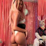 Η Emily Ratajkowski είναι sexy λαγουδάκι σε Πασχαλινή φωτογράφηση