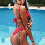 Η Σίσσυ Ζουρνατζή μας δείχνει τα sexy μαγιώ της