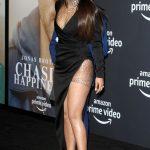 """Η Priyanka Chopra σε upskirt με μαύρο φόρεμα στην πρεμιέρα της ταινίας """"Chasing Happiness"""" στο Los Angeles"""